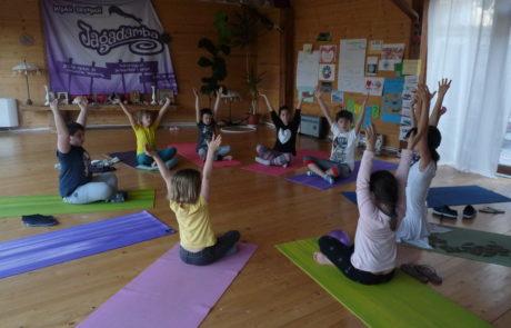детски-йога-ритрийт-априлска-ваканция-джагадамба - Copy