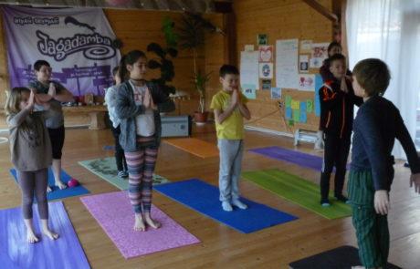 детски-йога-ритрийт-джагадамба - Copy (2)